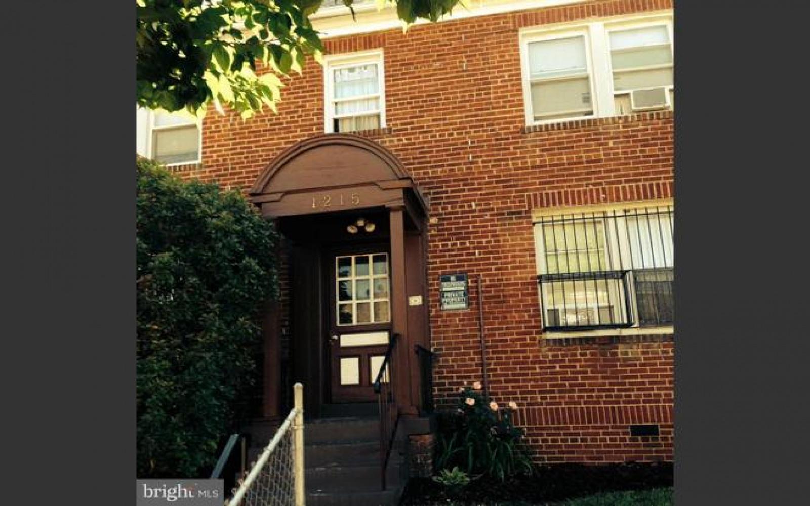 1215 18th Pl NE,Washington,District Of Columbia 20002,2 Bedrooms Bedrooms,1 BathroomBathrooms,Apartment,18th Pl,1098