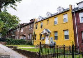 1109 Queen St,NE,District Of Columbia,2 Bedrooms Bedrooms,1 BathroomBathrooms,Apartment,Queen St,NE,1229